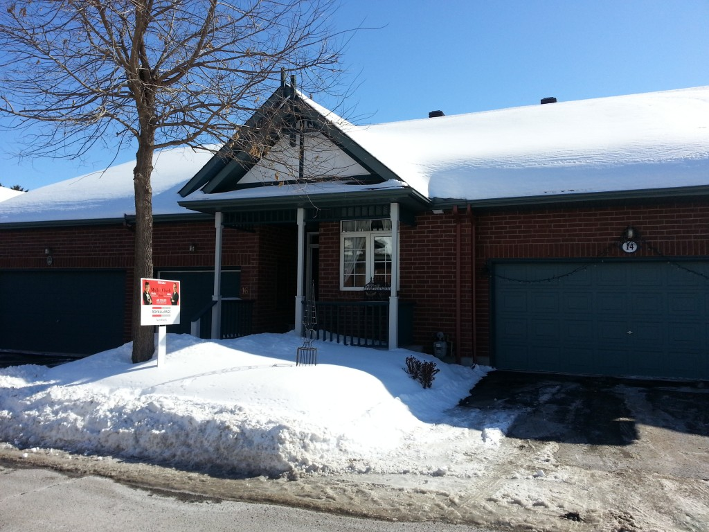 Ottawa House for Sale in Fisher Heights - 16 Briardale Crescent - $464,500 - Presented by Molly & Claude Team Realtors - Royal Lepage