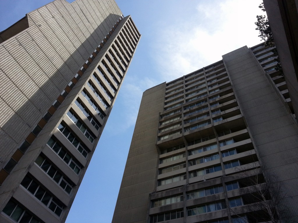 Ottawa Condo for Sale in Centre Town - 530 Laurier Avenue - Suite 2007 - K1R 7T1 - Queen Elizabeth Towers - Molly & Claude Team Realtors - Royal Lepage Team Realty